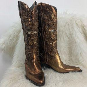 Carlos Santana metallic cut out leather boots. 5.5